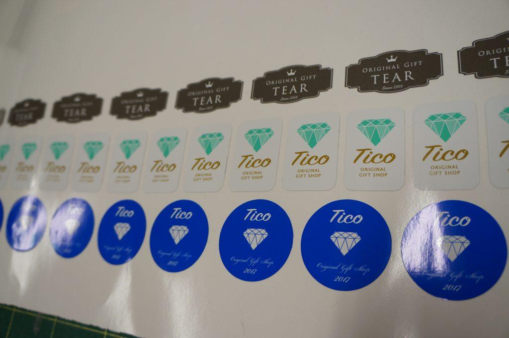 ポスター オリジナル パネル フレーム イベント ロゴ デザイン インクジェットプリンター 大型プリンター 印刷 ステッカー シール